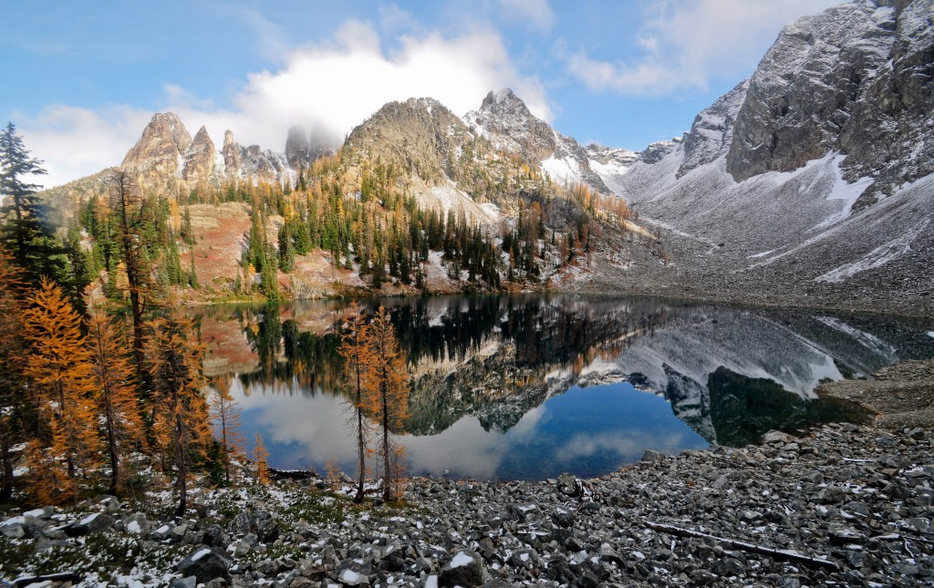 Blue Lake near the North Cascades National Park is an ideal late season day hike